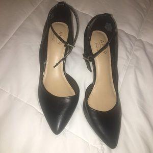 NWT Black Apt 9 Heels